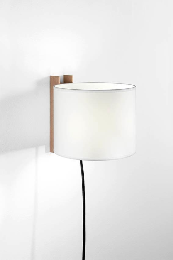 TMM Corto væglampe, bøg/hvid m/ledning