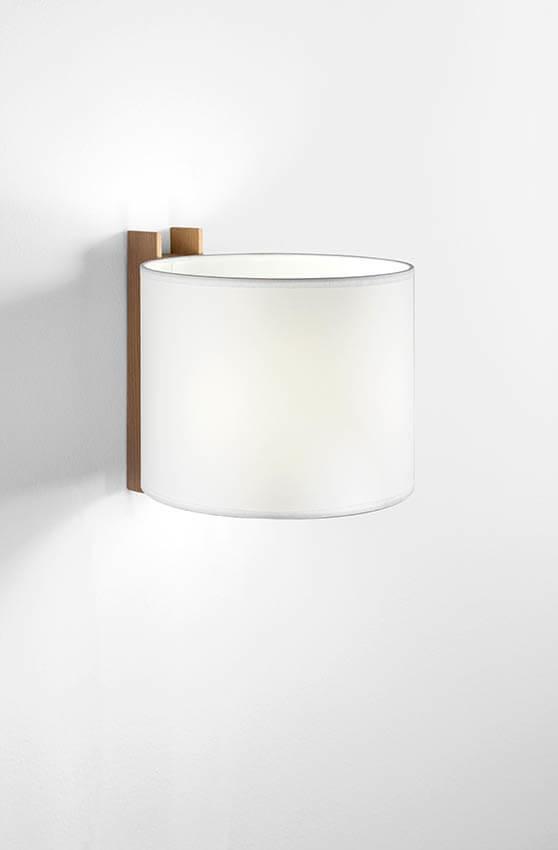 TMM Corto væglampe, bøg/hvid m/overskærm