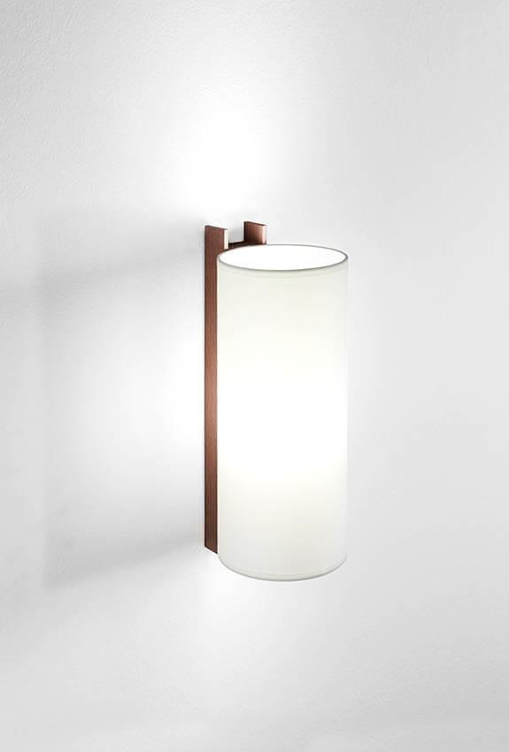 TMM Largo væglampe, valnød/hvid